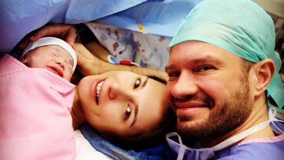 Ozan Doğulu, bu sabah 3. kez baba oldu.