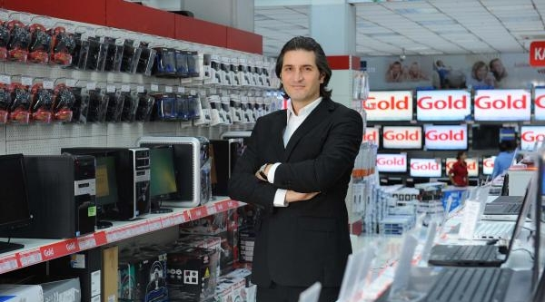 Özcan Ceylan: Kredi Kartina Taksit Siniri Teknoloji Marketleri Pazarini Daraltabilir