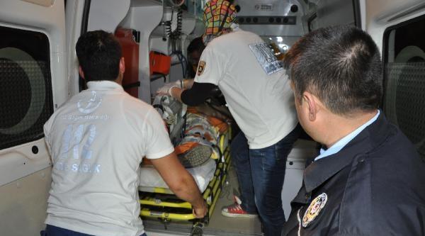 Özel Güvenlik Görevlisi, Evinde Yakaladığı Erkeği Öldürdü, Eşini Ağır Yaraladı