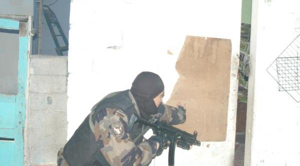 Özel Harekatli Uyuşturucu Operasyonu: 65 Gözalti