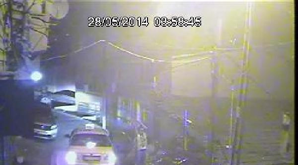 (özel) - Motosikleti Tahrip Ederken Kameraya Yakalandılar