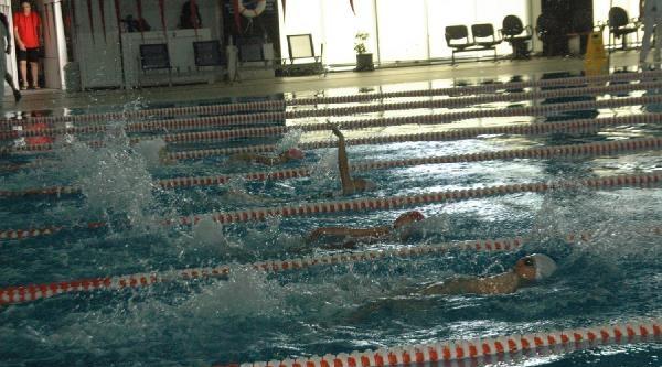 Özel Sporcular Türkiye Yüzme Şampiyonasi Bursa'da Yapılıyor