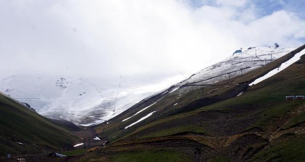 Palandöken'e Kar Yağdı
