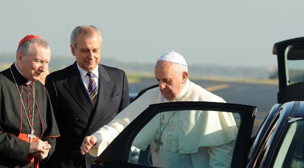 Papa, Kutsal Topraklar'a Gitti