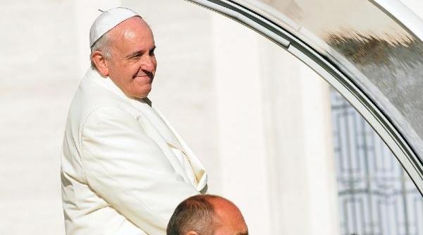Papa, Vatikan'Da Temizliğe Devam Ediyor