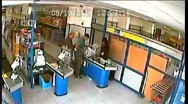 Para Üstü Dolandırıcısı Güvenlik Kamerasına Yakalandı