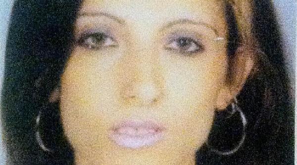 Parçaladiği Kadinin Cesedini Valizle Taşirken Yakalandi
