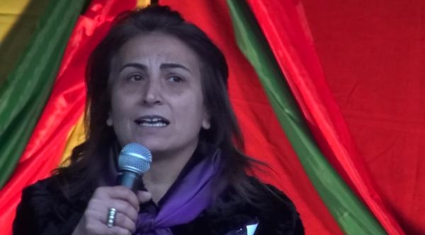 Paris'Te  Öldürülen 3 Pkk'Li  Kadin Için Yürüyüş