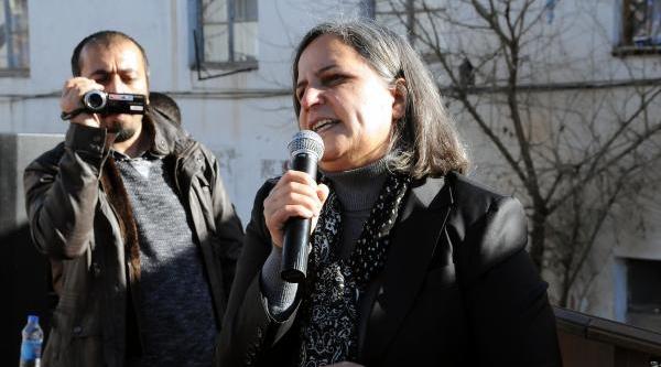 Paris'te Öldürülen 3 Pkk'li Kadin Tunceli'de Anildi