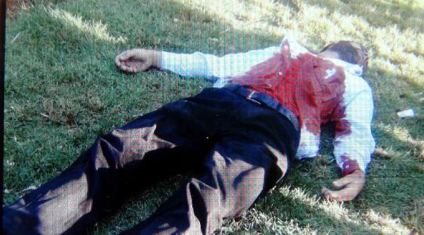 Parkta Kalbinden Bıçaklanarak Öldürüldü