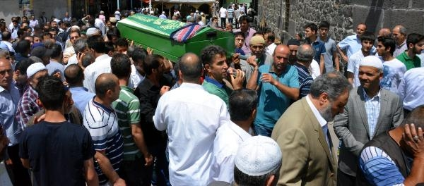 Patlamada Hayatını Kaybeden Eda Erzurum'da Toprağa Verildi