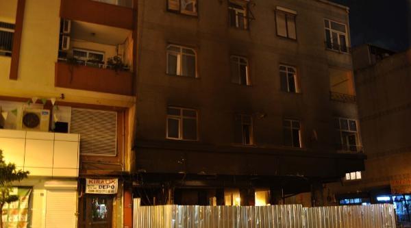 Patlamanın Meydana Geldiği Bina Demir Bariyerlerle Kapatıldı