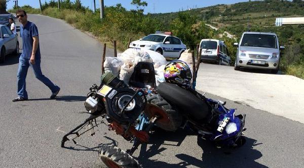 Patpatla Motosiklet Çarpişti: 2 Yaralı