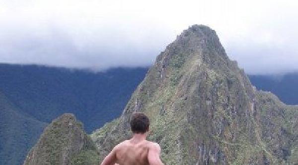 Peru'daki Antik Kentteki Çiplak Pozlara Gözaltı