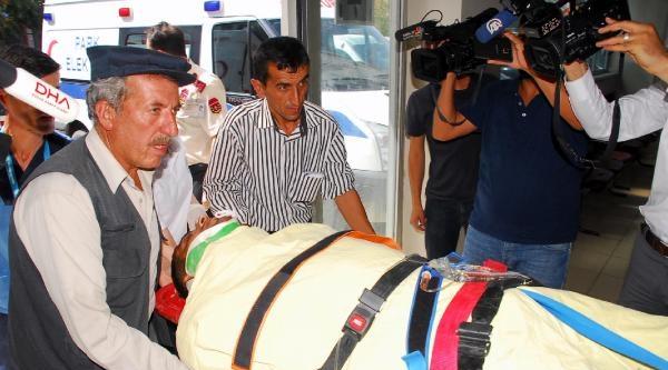 Pervari'de Yolcu Minibüsü Devrildi: 1 Ölü, 17 Yaralı