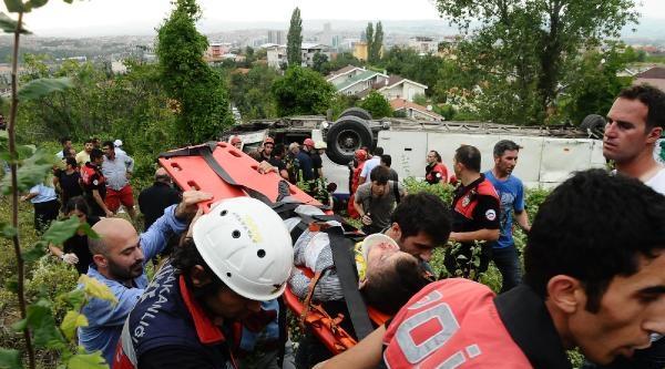 Piknik Dönüşü Kazada Ölen 4 Kişi Gözyaşlarıyla Uğurlandı