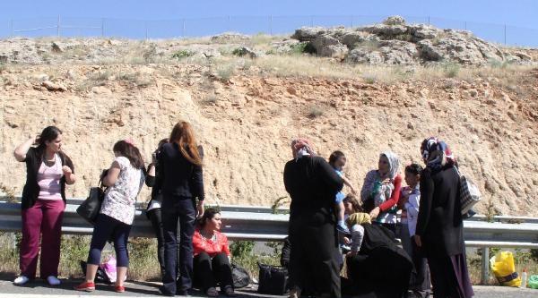 Piknikçileri Taşıyan Minibüs Kaza Yaptı: 13 Yaralı