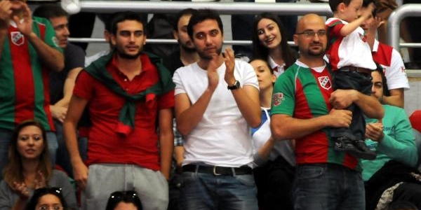 Pinar Karşiyaka - Beşiktaş Fotoğraflari