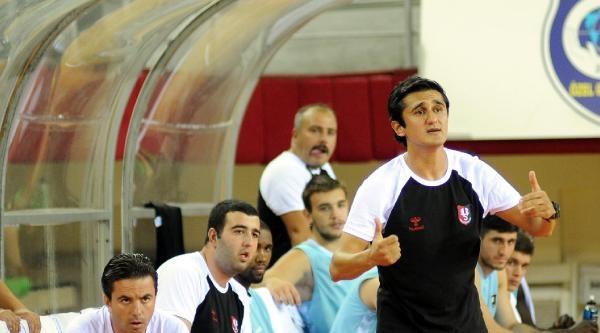 Pınar Karşıyaka - Uşak Sportif: 86-80