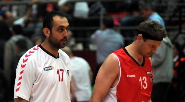 Pınar Karşıyaka - Uşak Sportif Basketbol Maçı Fotoğraflar