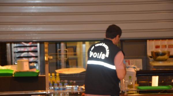 Pizzayı Beğenmeyen Polis Memuru İşyeri Müdürünü Silahla Yaraladı