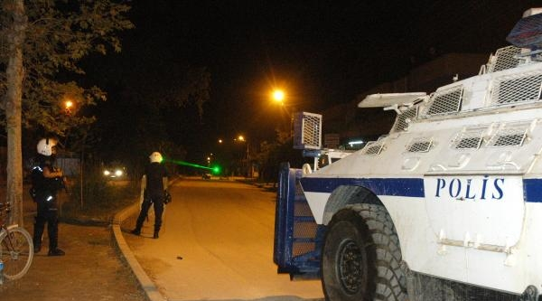 Pkk Yandaşları Karakol Taşladı
