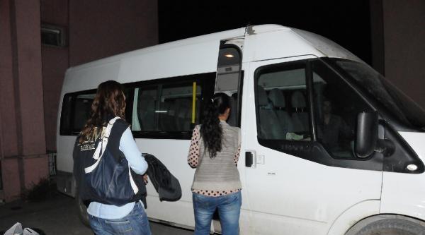 Pkk'ya Götürülürken Kurtarılan 3 Kız Ailelerine Teslim Edildi