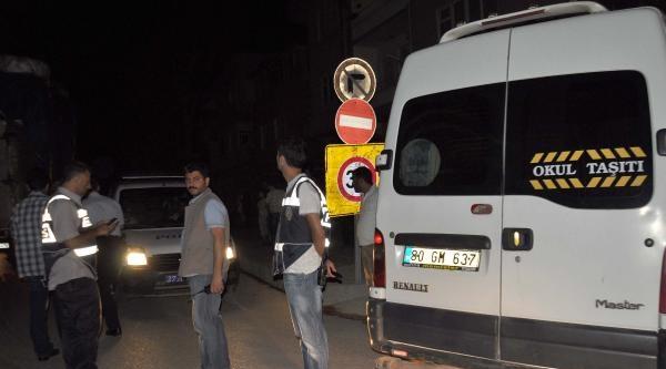 Polis Aracına Çarpan Minibüste Kaçak Akaryakıt