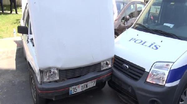 Polis Aracına Çarpinca Yakalandı