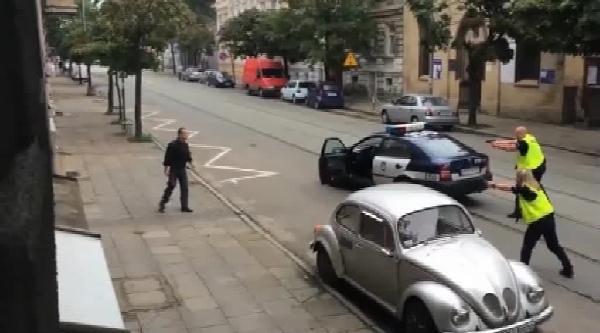 Polis, Kaçmaya Çalişan Şüpheliyi Böyle Vurdu