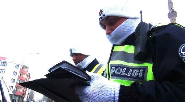 Polis, Kişliklari Giydi
