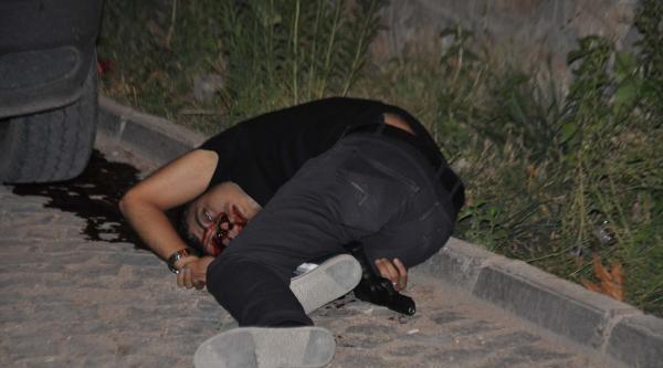 Polis Memuru Tabancayla İntihara Teşebbüs Etti