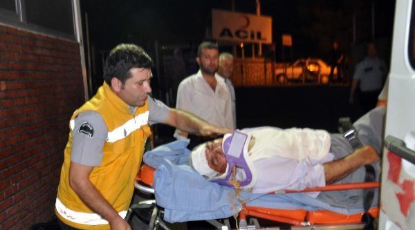 Polis Otomobili, Hafif Ticari Araçla Çarpişti: 2'si Polis, 6 Yaralı