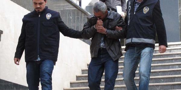 Polis Zor Ikna Etti,parayi Urfa'ya Götürürken Kurtarildi