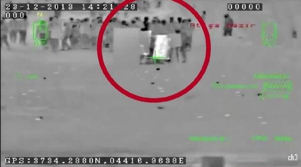 Polise Atmak Istedikleri Bomba Ellerinde Patladi