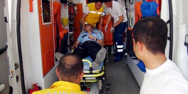 Polisi Döven 5 Kişi Gözaltina Alindi