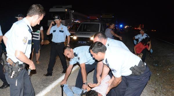 Polisin 'dur' İhtarina Uymayan Sürücü Kovalamaca Sonucu Yakalandı