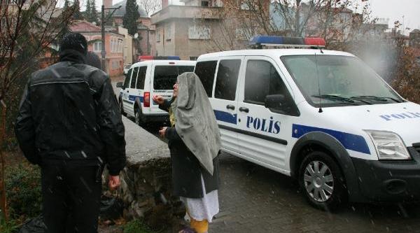 Polisin Gelmesi Için 'ceset Var' Ihbarinda Bulundu