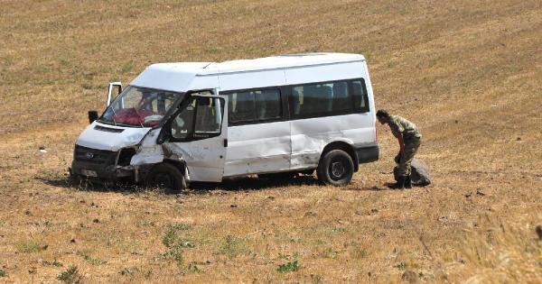 Polisin Kovaladığı Şüpheli Araç Yolcu Minibüsüne Çarpti: 11 Yaralı