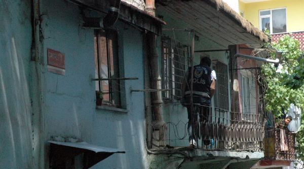 Polisin Önünde Silahlı Saldırı