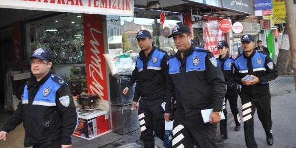 Polisten Dolandirici Uyarisi
