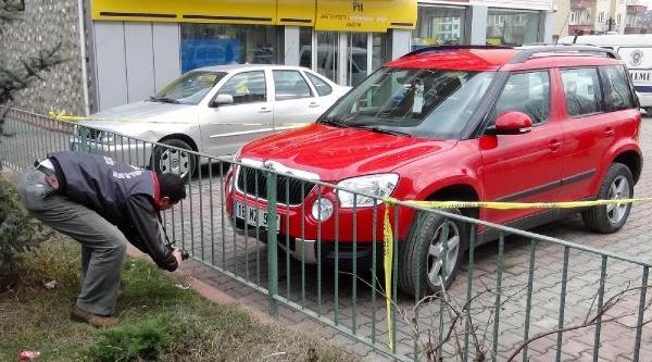 Polisten Kaçan Sürücü Ehliyetsiz, Otomobil Çalinti Çikti