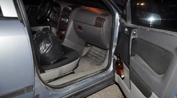 Polisten Kaçarak Kaza Yapan Sürücünün Otomobilinde 2 Kilo Esrar Ele Geçirildi