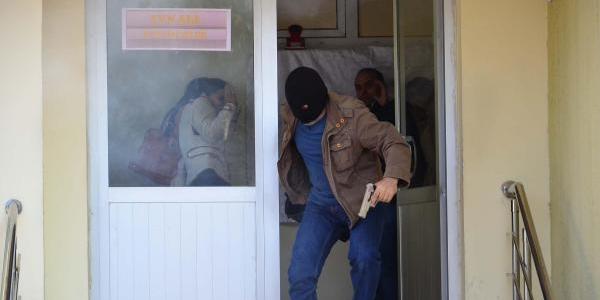 Polisten Yol Kapani Tatbikati