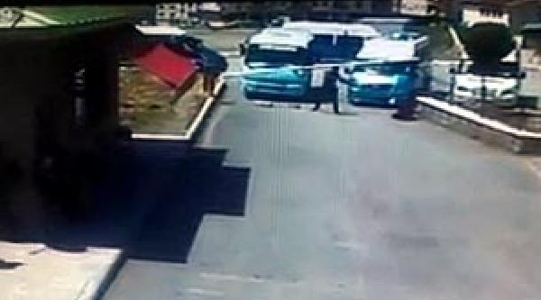 Pompalı Tüfekli Sıra Kavgası: 1 Minibüsçü Yaralı