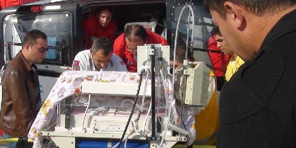 Prematüre Ikizler Helikopterle Ankara'ya Sevk Edildi