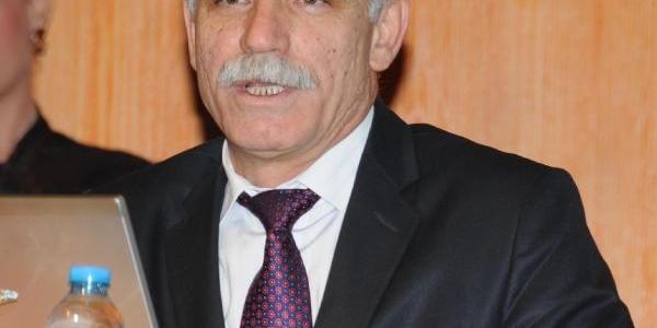 Prof. Dr. Akan: Üniversite Hastanelerinin Yasalarini Eğitim Birimleri Hazirlasin