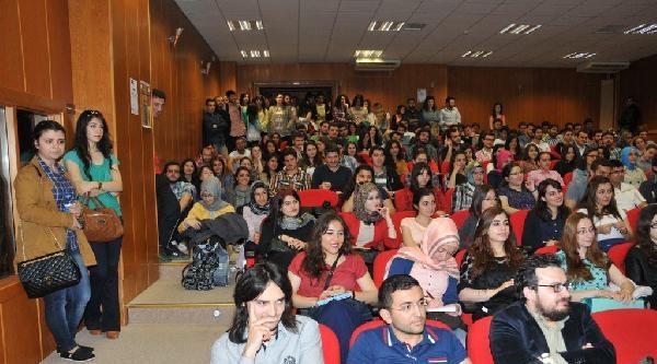 Prof.dr. Evkuran : Demokrasi Kültürünün Yükselmesi İçin Kendisiyle Barışık Öğrenci Yetiştirmeliyiz