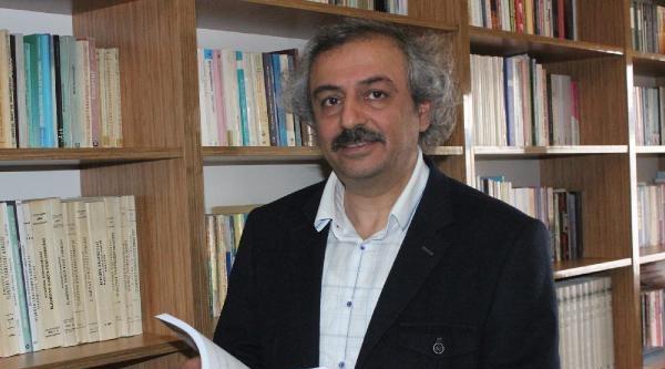 Prof.dr. Özden: Ülkemizde Ramazan Şaşali Ve Tantanalı Geçiyor