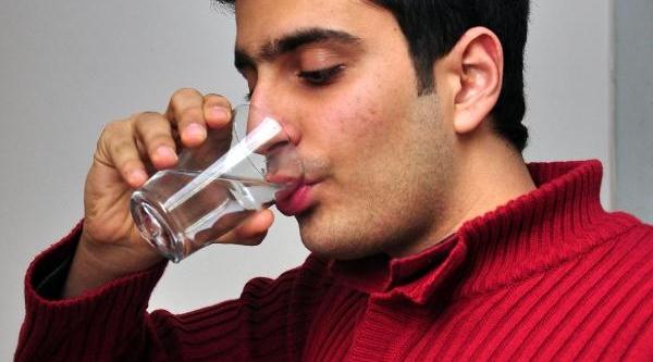 Profesör Balal: Fazla Su Içmek Sağlik Sorunlarina Yol Açar
